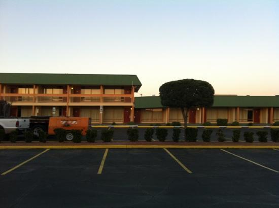 Quality Inn & Suites Airport : View of two story and one story sections.