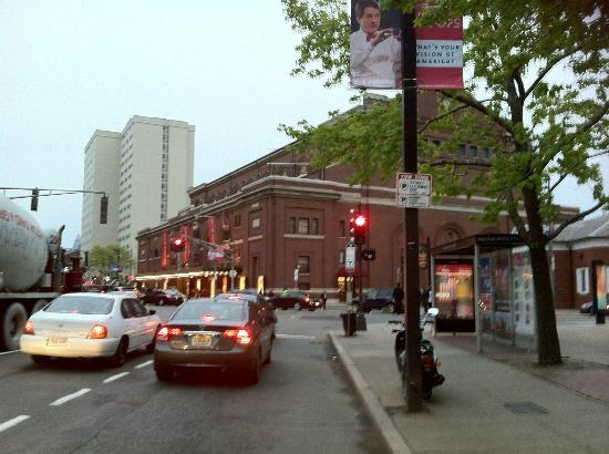 Boston Symphony Orchestra: Symphony Hall, Boston, the greatest concert venue in the US and one of the world's top 5 for sur