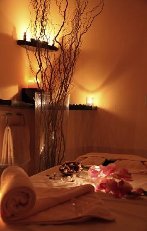 Aria Hotel Prague by Library Hotel Collection: Massage Room