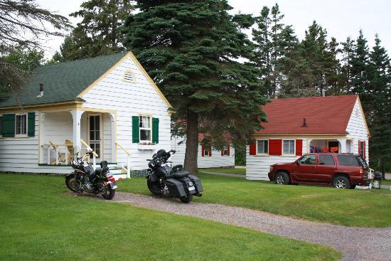 Green Gables Bungalow Court Cottages: One bedroom Cottages