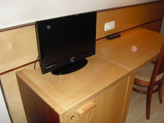 Villa Blanca: Televisión en la habitación