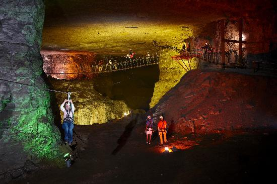 Louisville Mega Cavern: Cross Canyon
