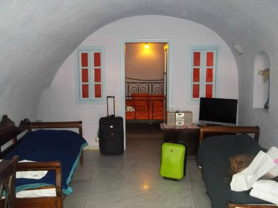 Nonis Apartments: Cave apartment