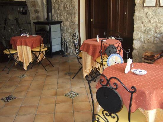 Il Castello: The breakfast room. (Breakfast was delicious)