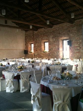 Palazzo Drago Ristorante Vineria: sala preparata per ricevimento di matrimonio
