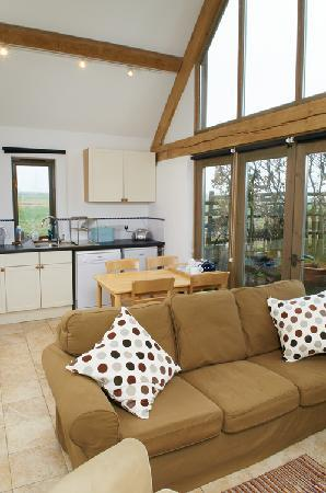 Barn Cottages at Lacock: Inside Chestnut Cottage