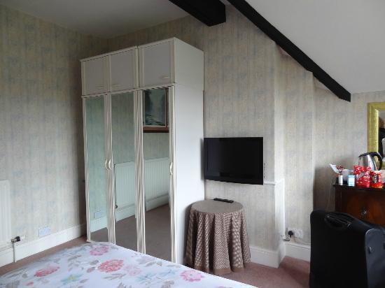 Heather House: Room 9