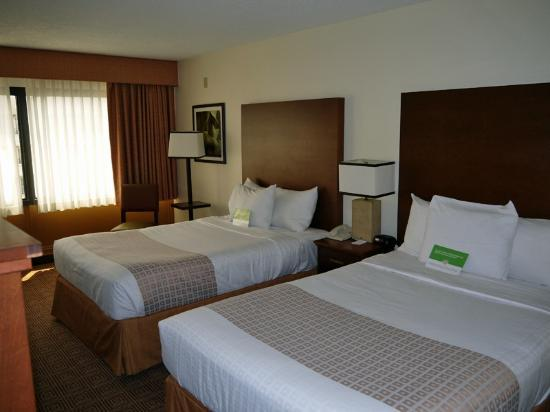 ‪‪La Quinta Inn & Suites Virginia Beach‬: Double Room‬