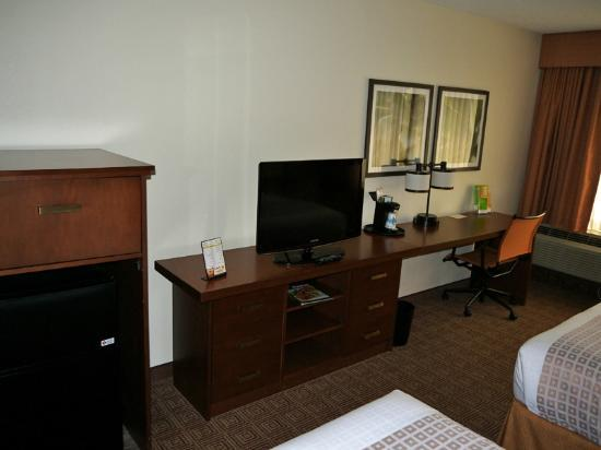La Quinta Inn & Suites Virginia Beach: Double Room