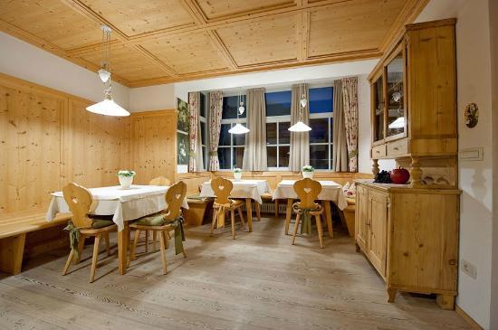 Hotel Weingarten: Stube