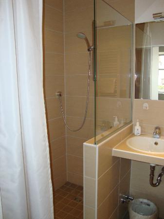 Flair Hotel zum Storchen: Bathroom