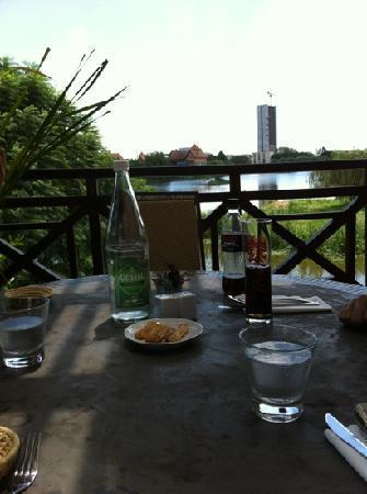 Hotel Restaurant Tamboho: das Hotel liegt an der Tana Waterfront