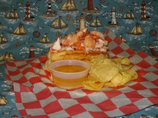Captains Fresh Idea Restaurant: Lobster Roll