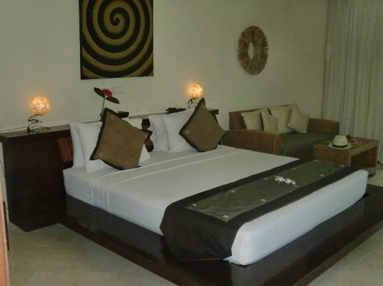 Hotel Vila Ombak: Main room/bedroom