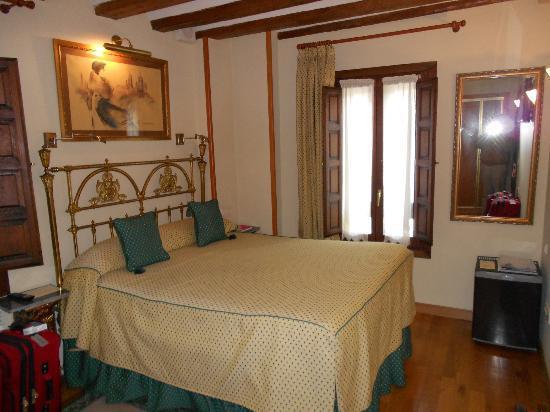 Hotel Alcazar -- Segovia: Our Room