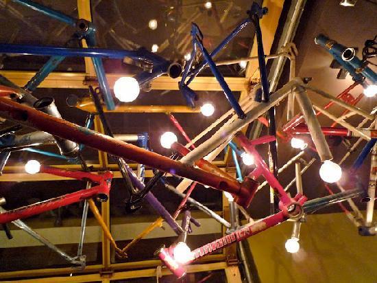 Drake Hotel Toronto: Cafe Interior