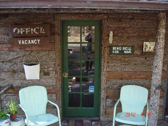 Idle Hour Lodge: welcome to our cabins