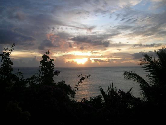 Caribbean Sea View Holiday Apartments: Sunset at the Sunset apartment
