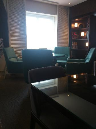 Ambassador Hotel Taipei: Executive Loungeはきれいで落ち着く