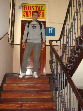 Hostal San Isidro: entrance (stairs, no elevator)