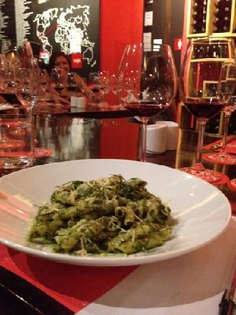 Flights by Vinoteca: pasta with homemade pesto