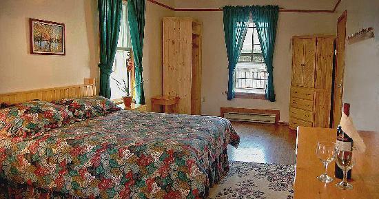 Shamrock Lodge: Main Lodge interior