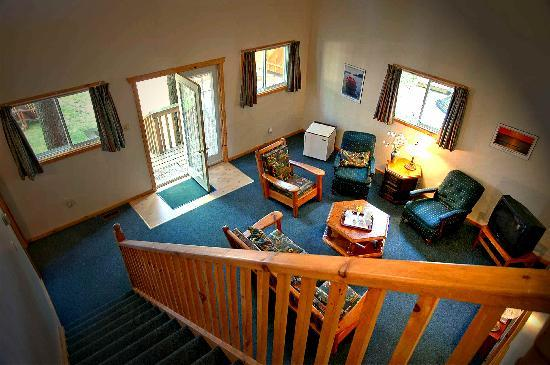 Shamrock Lodge: Tree House Interior