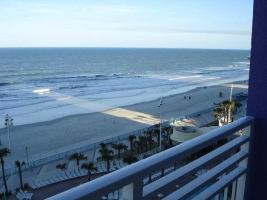 Wyndham Ocean Walk: Look at that view!!