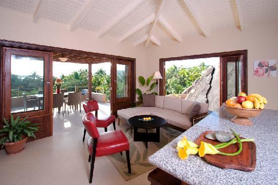 Surfsong Villa Resort : Beach House Villa living area, Surfsong, BVI