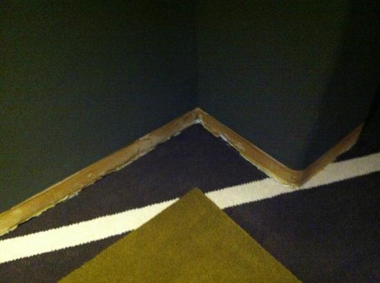 Thermae Palace Hotel : manque de plaintes dans le couloir