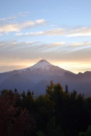 Mirador Los Volcanes: Vista al volcán desde nuestra cabaña