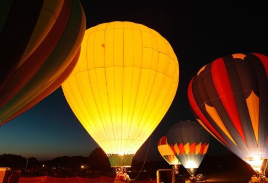 Lake County, OH: Debonne Vineyards Hot Air Balloon Rally