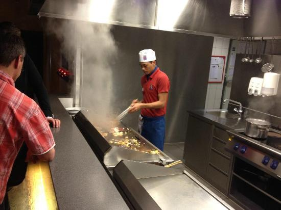 Han Mongolian Barbecue : Cooking my food