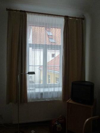Konventa Seta Hotel: Окно
