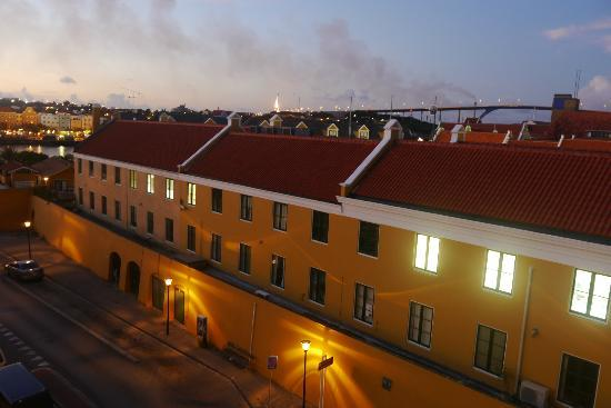 Plaza Hotel Curacao: Government buildings and bridge from hotel