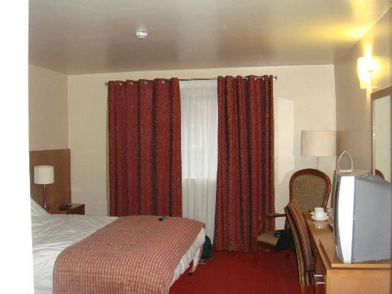 Drury Court Hotel: Room