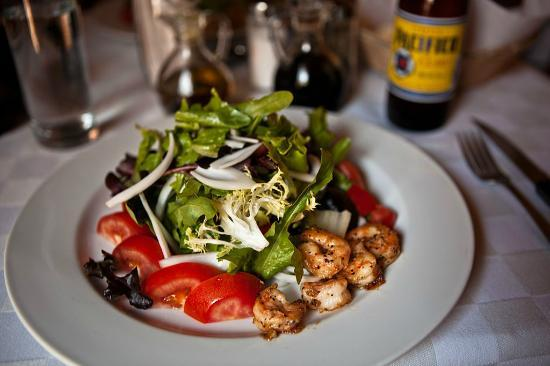 4 Restaurant: Argetinian salad with grilled shrimp