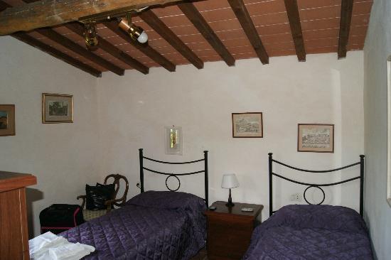 Podere Vignola: chambre double avec sb et wc
