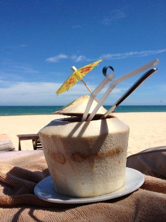 Mia Resort Mui Ne: Drinks at the Beach