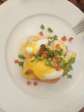 Mia Resort Mui Ne: Eggs benedict