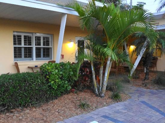 Tropical Beach Resorts : Our room entrance