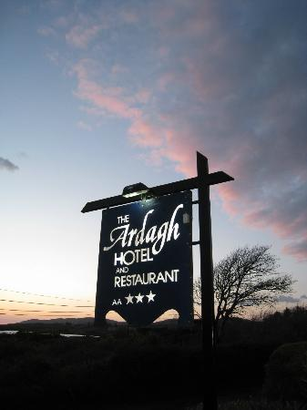 Ardagh Hotel & Restaurant: Look out for the hotel signage