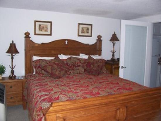 Mariner's Resort Villas & Marina: 1/1 Bedroom Area