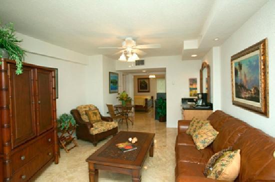 Mariner's Resort Villas & Marina: 1/1 Living & Kitchenette Area