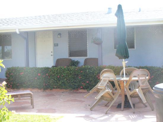The Caroline-Ocean Beach Hotels: Room exterior