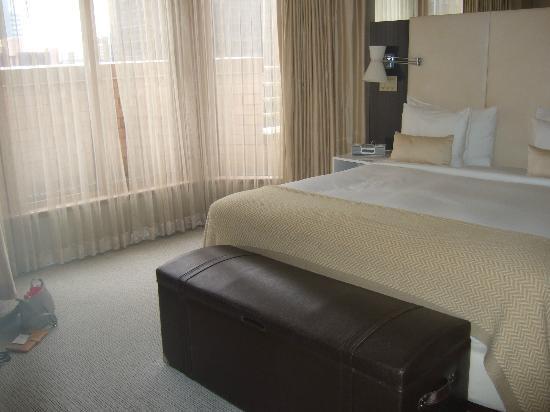 The London NYC: room