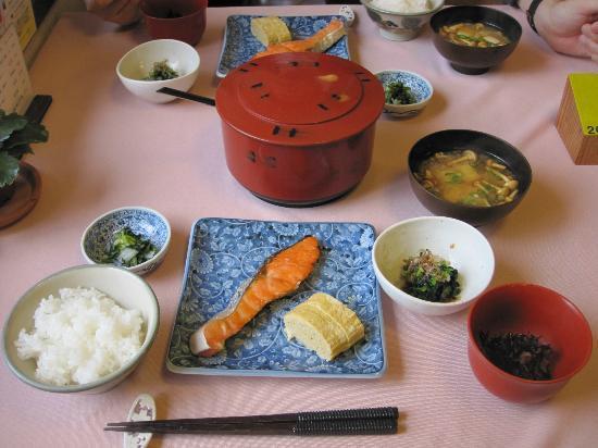 Uehara: 朝食白飯もとても美味しかったです。