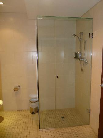 Renmark Resort: Big shower