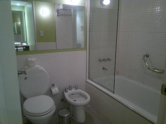 Didi Soho Hotel: Banheira