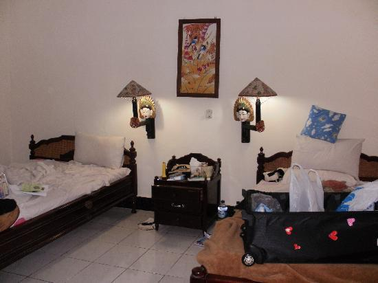 Swastika Bungalows: Bedroom large clean handy to everthing